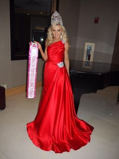 World's Perfect Classic Woman Evening Gown Kasha Grimes was a vision in red as she wowed the pageant judges and ultimately won the title of World's Perfect Classic Woman! Interesting enough, Kasha's daughter, Misha Grimes, was just crowned Miss Teen Galaxy 2018!