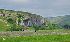Kilnsey Crag in North Yorkshire by Phil Moon. Yorkshire Dales, North Yorkshire, About Uk, Mount Rushmore, Britain, Cool Pictures, Moon, Mountains, Landscape