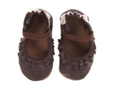Robeez Pandora Girls Soft Sole (Infant/Todder).  Easily in 5.5-6 size at 1 year.  Needs room to grow