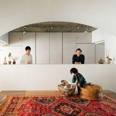 Masatoshi+Hirai+reconfigures+Tokyo+flat+to+create+a+wholly+shared+family+living+space