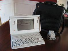 Apple Macintosh Portable M5120.