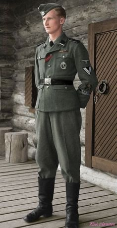 Ermo Raapana (1921-1997) Waffen volunteer. The photo was taken while he was visiting his father, at his hunting lodge near Rukajärvi, Finland, on June 2, 1943.