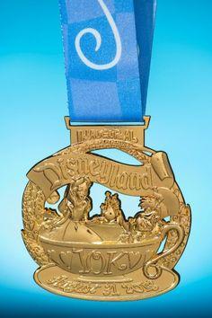 2013 Disneyland 10K Medal | Disneyland Half Marathon | Running at Disney #runDisney #DisneylandHalf  #Disneyland10K
