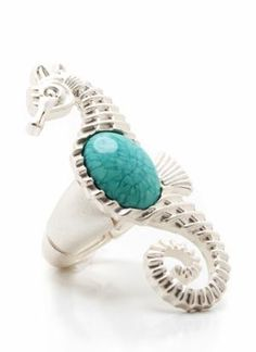 Seahorse ring in silver