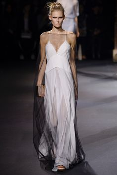 Vionnet Spring 2016 Ready-to-Wear Fashion Show - Alexandra Elizabeth (Elite)