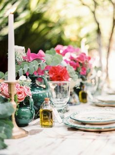 Charming Spanish Wedding Inspiration Caprichia Weddings of - Wedding Inspirasi Wedding Table, Wedding Blog, Spanish Wedding, Romantic Look, Destination Wedding Photographer, Destination Weddings, Event Planning, Wedding Flowers, Bridal Shower