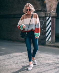 How to wear fall fashion outfits with casual style trends Casual Outfits For Teens, Spring Outfits Women, Winter Fashion Outfits, Trendy Outfits, Winter Outfits, Cute Outfits, Girls Fashion Clothes, Look Cool, Collection