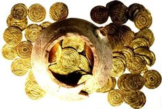 Awesome! Israeli student finds Crusader gold...a currency old even when it was used by the Crusaders!
