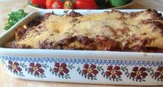 Madmen Lasagna served in a Nicholas Mosse Old Rose Large Rectangular Oven Dish Oven Dishes, Looks Yummy, Food Festival, Mad Men, Good Food, Fun Food, My Recipes, Lasagna, Macaroni And Cheese