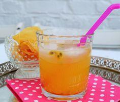 Passionfruit-ginger-spritzer-lucyloves-foodblog