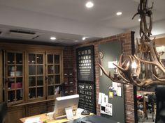 Love this room! Treat Co.,Ltd. office http://www.treatdressing.jp/treat/