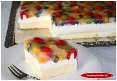 Glutenfreie Joghurt-Frucht-Schnitten! Ein himmlisch leichter Sommerkuchen! www.rezepte-glutenfrei.de
