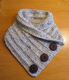 Afbeeldingsresultaat voor linda beach textielkunst fabric art us Col Crochet, Crochet Hooded Scarf, Crochet World, Crochet Scarves, Crochet Shawl, Crochet Clothes, Free Crochet, Loom Knitting, Knitting Patterns