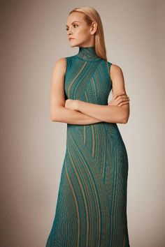 Hervé Léger Pre-Fall 2020 Fashion Show History of Knitting Wool rotating, weaving and stitching jobs such as for example BC. 2020 Fashion Trends, Fashion 2020, Fashion News, Fashion Beauty, Fashion Show, Fashion Looks, Women's Fashion, Fashion Women, Lookbook