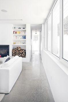 polished concrete floors - Blue Hills House / la SHED architecture Terrazzo, La Shed Architecture, Polished Concrete Flooring, Polished Concrete Kitchen, Concrete Lamp, Stained Concrete, Concrete Countertops, Blue Hill, House On A Hill