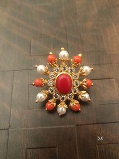 Gold Jhumka Earrings, Jewelry Design Earrings, Gold Earrings Designs, Gold Jewellery Design, Bead Jewellery, Earings Gold, Coral Earrings, Gold Ring Designs, Gold Haram Designs