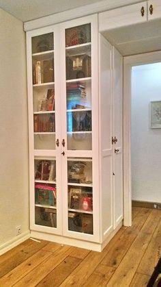 шкаф на заказ, часть шкафа - библиотека для книг, антресоль и боковой шкаф