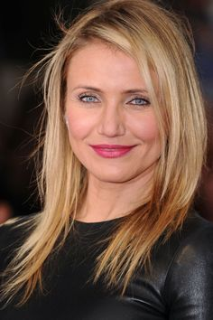 You can't have a top celebrity blonde hairstyles edit without the fabulous Cameron Diaz and her sun-kissed locks. She kept her 'do straight a simple for the London premiere of her new film 'The Other Woman'.