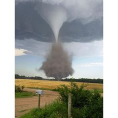 Photo cred: David Decker #tornado #kansasphotos #kansas