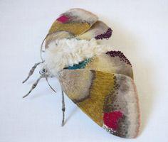 Текстильные копии бабочек и мотыльков от Yumi Okita.
