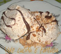 semifreddo all'amaretto,fresco e goloso senza cottura molto facile da realizzare Mousse, Sweets Recipes, Cake Recipes, Sweet Corner, I Chef, Best Banana Bread, Sorbets, Romanian Food, Flan