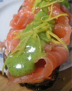Herkkusuun lautasella-Ruokablogi: Vihreä hovimestarikastike