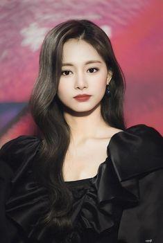 Tzuyu And Sana, Tzuyu Wallpaper, Twice Korean, She's A Lady, Twice Once, Chaeyoung Twice, Nayeon Twice, Twice Kpop, Twice Sana