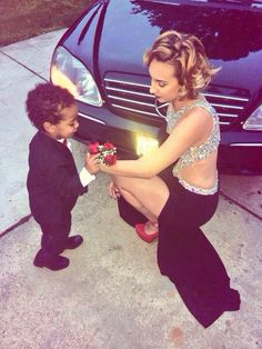 This is so adorable #prom2014