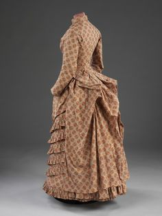 Dress - 1885 - The Victoria & Albert Museum