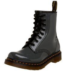 Dr Martens 1460 W Patent Lamper, Boots femme - Gris (Grey), 39 EU (6 UK) Dr. Martens http://www.amazon.fr/dp/B001JQMTD0/ref=cm_sw_r_pi_dp_AR2pvb11X2BCW