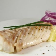 Filetti di merluzzo in umido al microonde No Salt Recipes, Microwave Recipes, Tuna, Seafood Recipes, Italian Recipes, Asparagus, Salad Recipes, Fish, Meat