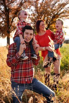 Rhett + Brittany Fall Family Session // Dave Ainley Photography // Spokane, WA // www.daveainley.com