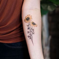 With this quiz, you'll discover which is the best tattoo you should get next. Sunflower Tattoo Simple, Sunflower Tattoo Sleeve, Sunflower Tattoo Shoulder, Sunflower Tattoos, Sunflower Tattoo Design, Cross Tattoos For Women, Tattoos For Women Flowers, Foot Tattoos For Women, Tattoo Flowers