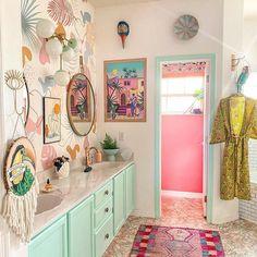 Pastel Bathroom, Art Deco Bathroom, Eclectic Bathroom, Boho Bathroom, Bathroom Interior Design, Retro Bathroom Decor, Pastel House, Dream Decor, Dream Rooms