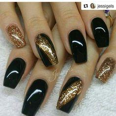 Black and bronze nails - Nail Design Ideas! Black and bronze nails Black and bronze nails Source by Black Nail Designs, Acrylic Nail Designs, Nail Art Designs, Acrylic Nails, Nails Design, Coffin Nails, Fancy Nails, Trendy Nails, New Year's Nails