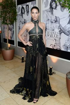 Lily Aldridge rocked this black vampy gown on the red carpet. She finished the look with sleek hair and natural makeup.