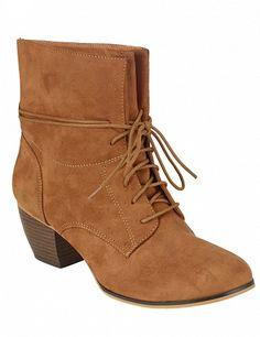 Bottines à lacets vintage super tendance, camel Wedges, Boots, Vintage, Fashion, Crotch Boots, Moda, Fashion Styles, Shoe Boot, Vintage Comics
