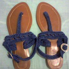 Sandalias tejidas completamente a mano azul marino