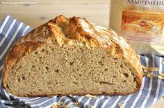Kamut-Dinkel-Brot mit Kamutflocken und Dinkelschrot
