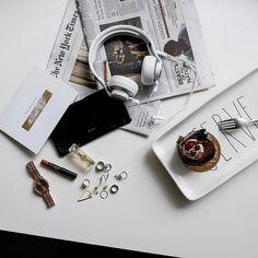 #AOTD Find more on instagram @zhours   #photooftheday #picoftheday #fashionblog #vscocam #style #holidaywhite #flatlay #headset #moussecake #yummy #bostonblogger #dailyinspiration #zhours #accessories #photographer #mochamousse #cake #dessertfirst #chocoholic #aotd #daintyjewelries