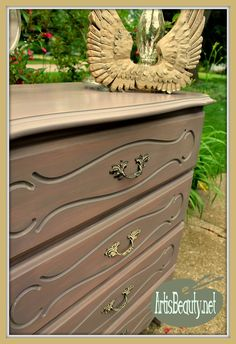 ART IS BEAUTY: Chicory Spice French Provincial Dresser Makeover I just used a color I have been wanting to try forever to transform this French Provincial Dresser! Come check out CHICORY SPICE by +Maison Blanche Paint Company http://arttisbeauty.blogspot.com/2014/07/chicory-spice-french-provincial-dresser.html #furnituremakeover #paintedfurniture #french #paint #artisbeauty #hometalk #hometalktuesday #diy #dressermakeover #elegantmakeover #maisonblanchepaintcompany #advertising #lookforless