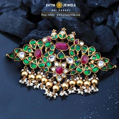 Be more attractive by wearing this traditional gold Choker studded with uncut Diamond and south sea pearls and Mayuri design look so wonderful. Gold Earrings Designs, Gold Jewellery Design, Bead Jewellery, Necklace Designs, Diamond Jewellery, Gold Jewelry, Jewelery, Choker Necklace Online, Gold Choker Necklace