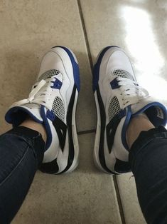 Kicks Shoes, Lit Shoes, Cute Sneakers, Shoes Sneakers, Jordan Shoes Girls, Aesthetic Shoes, Hype Shoes, Fresh Shoes, Sneaker Heels