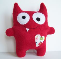 felt monster, except exposed stitching Baby Crafts, Felt Crafts, Fabric Crafts, Crafts For Kids, Sewing Toys, Sewing Crafts, Sewing Projects, Toy Art, Kids Pillows