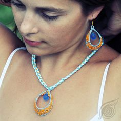 set Drop in mare of orange; by Nady; photo by Tomas David Beading Tutorials, Washer Necklace, Jewerly, Beads, Beadwork, Earrings, David, Drop, Orange