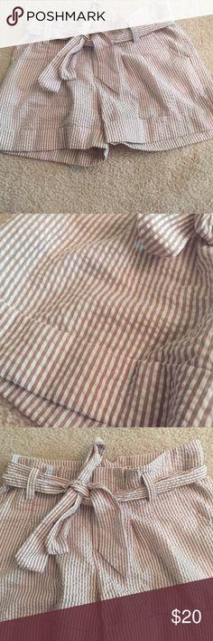 Seersucker shorts Good condition! Barely worn Shorts