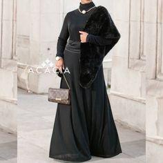 Glamorous! The outstanding Obsidian Dress by Acacia is just perfect for a special occasion! Simplicity!   Glamorous! Das Obsidian Kleid von der Marke Acacia, ist perfekt für einen speziellen Abend! Weniger ist mehr!   www.nismashop.de #hijabfashion #chichijab #heretwlinspire #nismashop #glomorous
