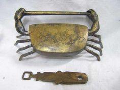 Crab-fashioned padlock with key.