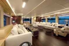 Petrus II - The yacht's interior, created in collaboration with Benetti's internal design team, is autographed by Francios Zuretti.