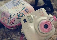 Super Kawaii Hello Kitty Instax Camera ~ I want this! Polaroid Instax Mini, Instax Camera, Instax Mini 8, Fujifilm Instax Mini, Fuji Instax, Polaroid Camera, Film Camera, Hello Kitty Instax, Sanrio